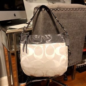 Coach Carryall Hobo Like new! Pristine condition